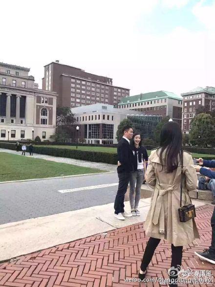 刘强东奶茶妹妹章泽天结婚一周年 回到幸福开始的地方庆祝